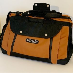 NWOT Columbia Duffel/Travel Bag! Removable Strap!